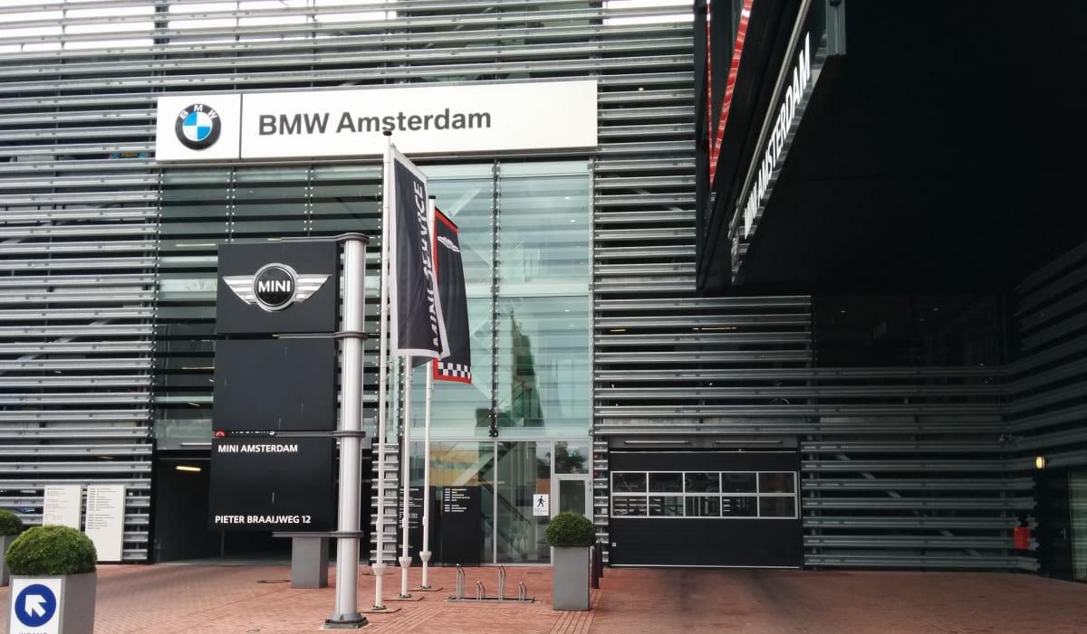 Bmw Garage Amsterdam : Bmw loading systems
