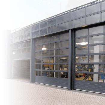 Showroom of werkplaats? Wij bieden een overheaddeur aan met volledige beglazing.