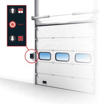 Een overheaddeur kan uitgerust worden als handbediende en elektrisch bediende deur